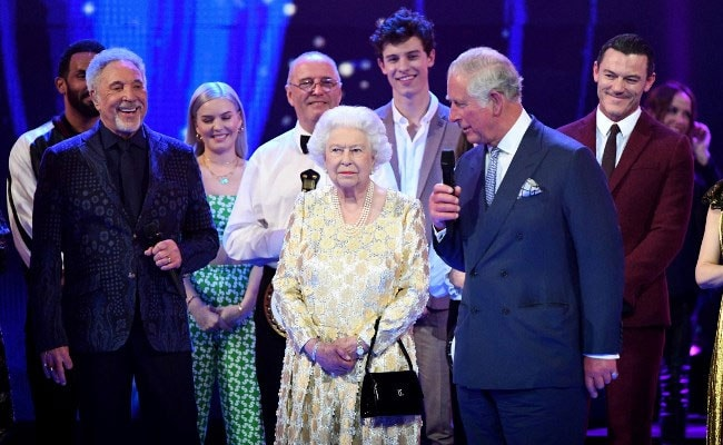 Queen Elizabeth Rolls Eyes At Prince Charles. He Called Her Mummy