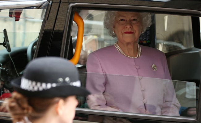 Outside Hospital Where Royal Baby Was Born, A Prank Involving The Queen