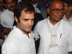 दिग्विजय सिंह को काले झंडे दिखाने वालों को कांग्रेस कार्यकर्ताओं ने जमकर पीटा