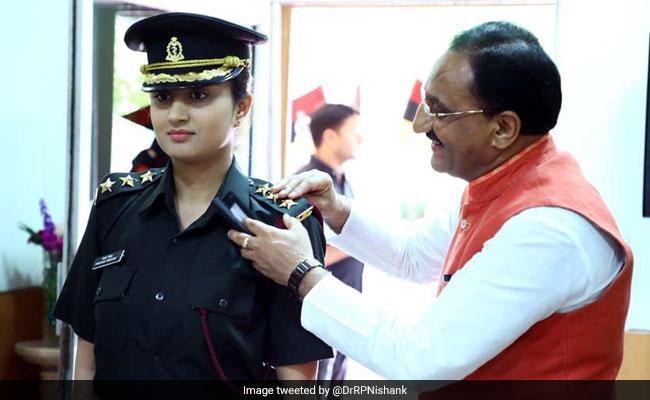 रमेश पोखरियाल की बेटी श्रेयशी सेना में हुईं शामिल, पिता ने कहा- गौरवान्वित महसूस कर रहा हूं