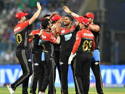 IPL Live Score, Royal Challengers Bangalore vs Chennai Super Kings: Bangalore Up Against Confident Chennai