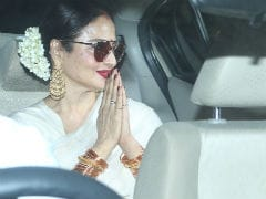 Rekha, Neetu Kapoor Attend Amitabh Bachchan And Rishi Kapoor's <i>102 Not Out</i> Screening