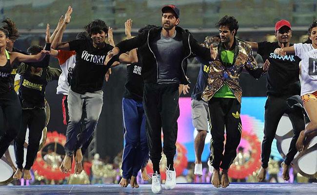 IPL 2018 LIVE: ओपनिंग सेरेमनी में वरुण धवन, प्रभु देवा और ऋतिक रोशन ने बांधा समां