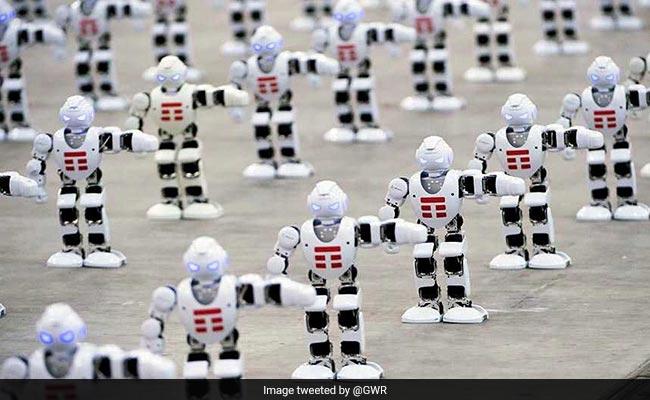 VIDEO : 1300 से अधिक रोबोट ने एक साथ डांस कर गिनीज वर्ल्ड रिकॉर्ड बनाया