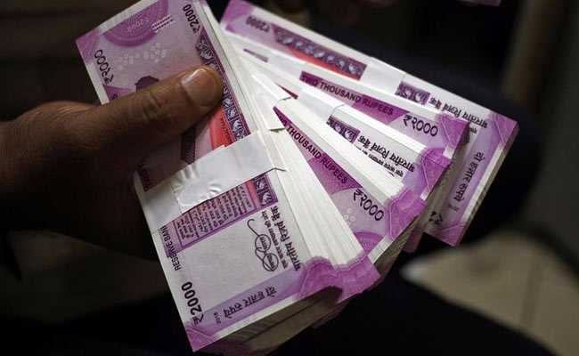 Rupee Closes At Life-Time Low Of 69.05 Against Dollar
