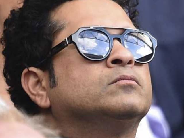 now Sachin Tendulkar realieses the pain of Indian football captain and appeals
