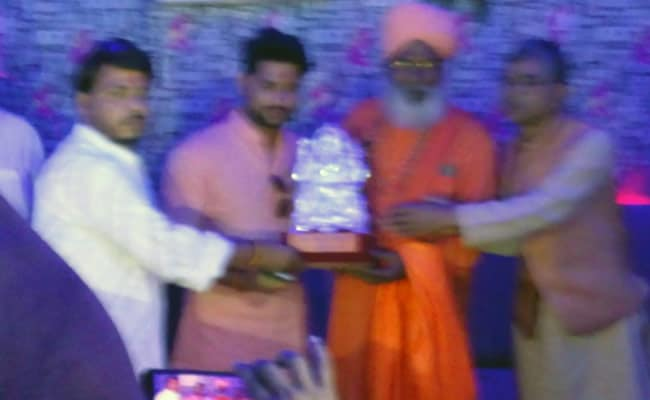 sakshi maharaj nightclub launch ndtv