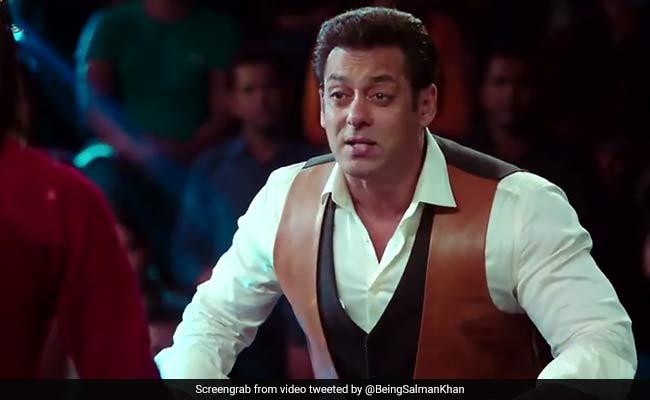 Dus Ka Dum Promo: सलमान खान ने पूछा भारतीय लड़कों से जुड़ा ऐसा सवाल कि देनी पड़ी Free Kiss