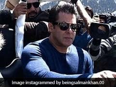 कश्मीर में गाड़ी चलाते दिखे सलमान खान, सिक्युरिटी के साथ कैमरा में हुए कैद... देखें वीडियो