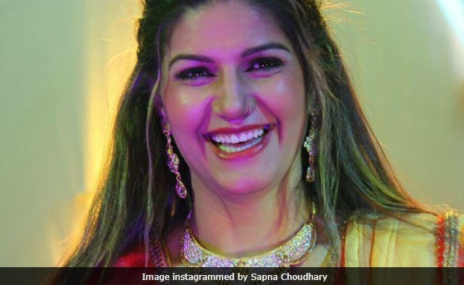 No, Chris Gayle Isn't Dancing To Sapna Choudhary's Song