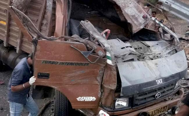 18 Dead As Truck Overturns Near Pune; Driver 'Dozed Off', Suspect Police