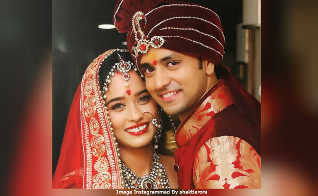 TV Stars Shakti Arora And Neha Saxena Get Married  See Pic