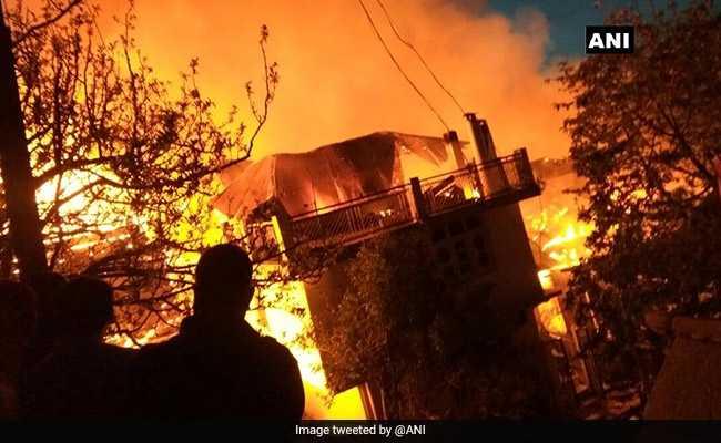 शिमला के कैशानी गांव में भीषण आग, 40 घर चपेट में