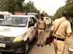 दिल्ली : नरेला में अज्ञात बदमाशों ने लूटी कैश वैन, गार्ड और कैशियर को मारी 20 गोलियां