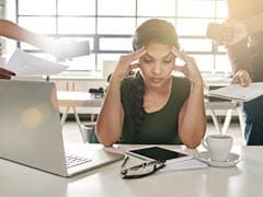 Job Stress May Lead To Weight Gain In Women: 5 Pro-Tips To Manage Weight Loss At Workplace