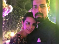 <i>Veere Di Wedding</i>'s Sumeet Vyas Is Not Engaged To Ekta Kaul. The Truth About Viral Photo