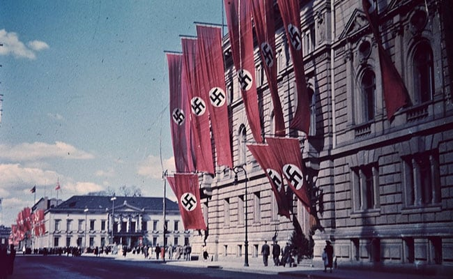 German Theatre Probed Over Free Seats For Swastika Wearers