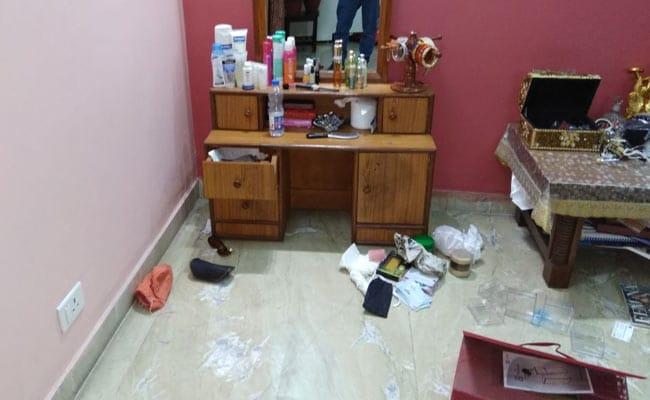 दिल्ली : चोरों ने TMC सांसद शताब्दी राय के सरकारी बंगले पर किया हाथ साफ