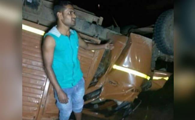 बारात लेकर जा रहा ट्रक पलटा, 21 की मौत और बारबरा बुश का निधन, अब तक की 5 बड़ी खबरें