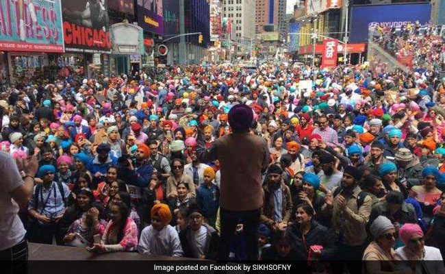 Sikh Group Ties 'Over 9,000 Turbans' In US, Set World Record