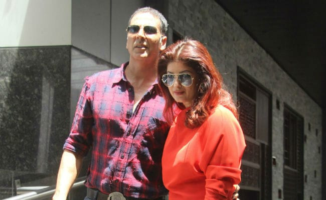 Rustom Costume Controversy: Twinkle Khanna Responds To 'Bloody Nose' Post With Furious Tweet