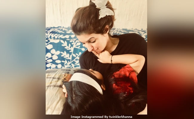 Like This Pic Of Twinkle Khanna And Nitara? So Do Anil Kapoor, Bobby Deol And Others