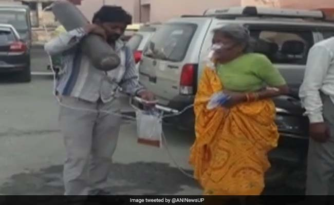 UP Man, Waiting For Ambulance With Oxygen Cylinder, Sparks Criticism