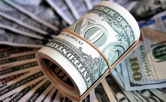 US Dollar Might Not Keep Currency Crown Next Year: Poll