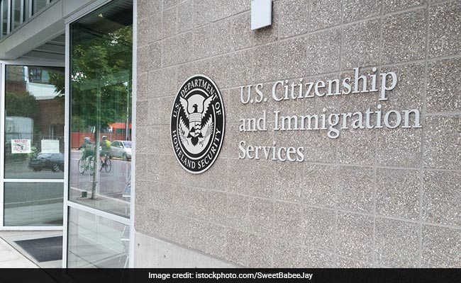 US Lawmakers, IT Industry Oppose Visa Ban For Spouses Of H-1B Holders