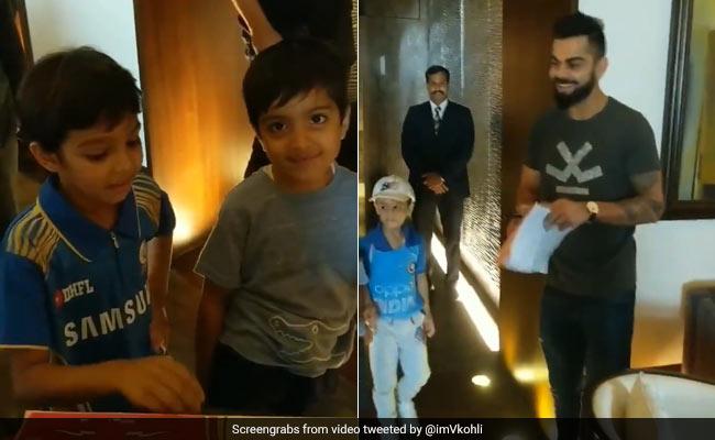 IPL 2018: बच्चों ने दूर से विराट कोहली से मांगी ऐसी चीज, पास आकर किया ऐसा