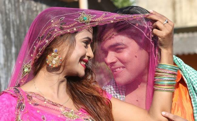 'राजस्थानी बाला' की भोजपुरी में एंट्री, सुपरस्टार एक्टर के साथ बिखेरेंगी जलवे