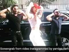यामी गौतम ने एलियन के साथ किया डांस कंपीटिशन, Viral Video देख नहीं रोक पाएंगे हंसी