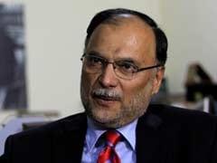 पाकिस्तान के गृह मंत्री एहसन इकबाल पर जानलेवा हमला, कंधे में लगी गोली, खतरे से बाहर