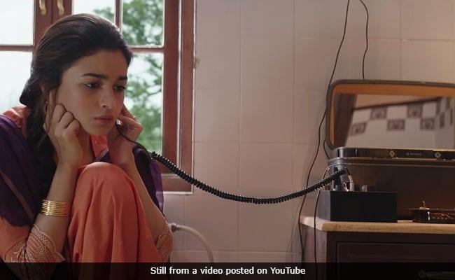 Raazi Movie Review Alia Bhatt Struggles With A Realistic Film