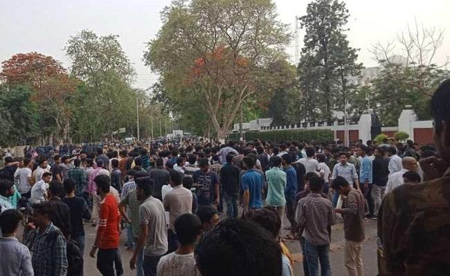 AMU Students Urge President Ram Nath Kovind To Intervene To End Jinnah Row