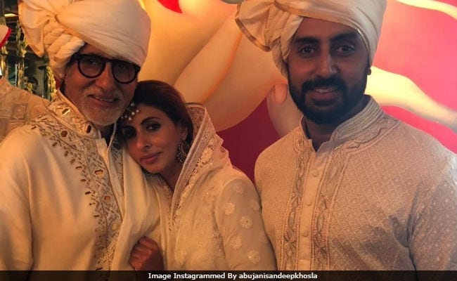Sonam Kapoor And Anand Ahuja's Wedding: Pic Of Amitabh Bachchan With Shweta And Abhishek Trends