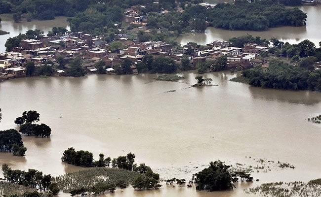 असम के कई जिले बाढ़ से प्रभावित, मदद के लिए सेना को बुलाया गया
