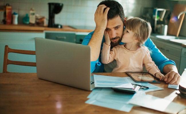 स्कूल ने बच्चों को नहीं माता-पिता को दिया ये काम, इंटरनेट पर वायरल हुआ होमवर्क