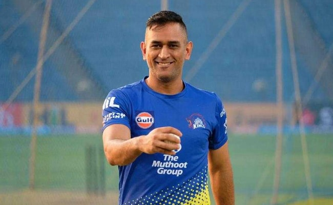 IPL 2018, CSK vs KKR: इस गेंदबाज के सामने महेंद्र सिंह धोनी की बोलती बंद, सुरेश रैना हैं एकदम उलट