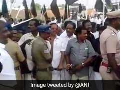 Cauvery Protest: DMK Workers Throw Stones at Defence Minister's Car