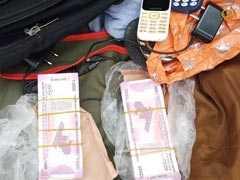 आठ लाख रुपये के नकली नोट पकड़े, एक गिरफ्तार