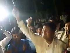 बिहार: फेयरवेल के दौरान फायरिंग करना पड़ा महंगा, कटिहार SP का तबादला रुका
