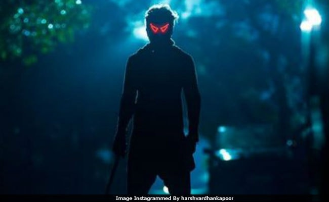 Bhavesh Joshi Superhero Trailer, Starring A Super-Powered Harshvardhan Kapoor