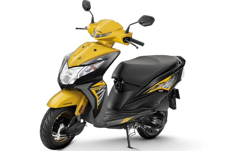 2018 Honda Dio is available in two variants - standard and deluxe
