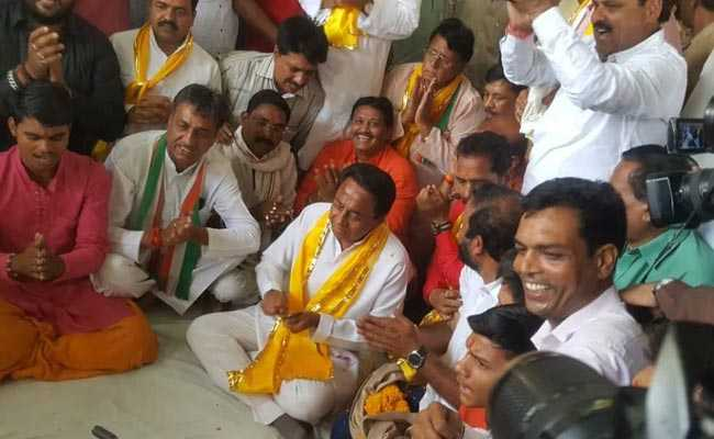 मध्यप्रदेश जीतने के लिए कांग्रेस का ध्यान मंदिर दौड़ पर