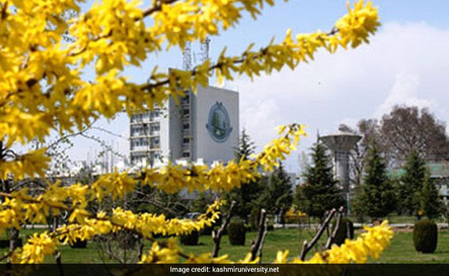 Kashmir University Felicitates Nine Kashmiri Women