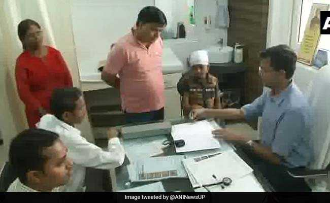 'You Have Paid Our Fee At The Border': Lucknow Doctor Treats Soldiers For Free