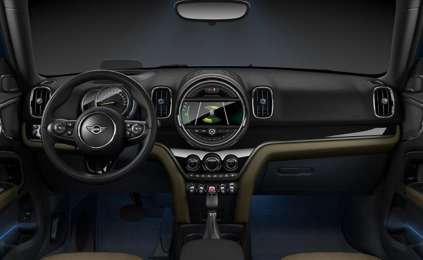 mini countryman cabin