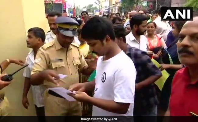 केरल : बेटा दे रहा था नीट परीक्षा, पिता की मौत