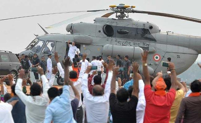 Election 2019: पीएम मोदी के हेलीकॉप्टर की जांच करने वाले IAS अधिकारी के खिलाफ अनुशासनात्मक कार्रवाई की सिफारिश